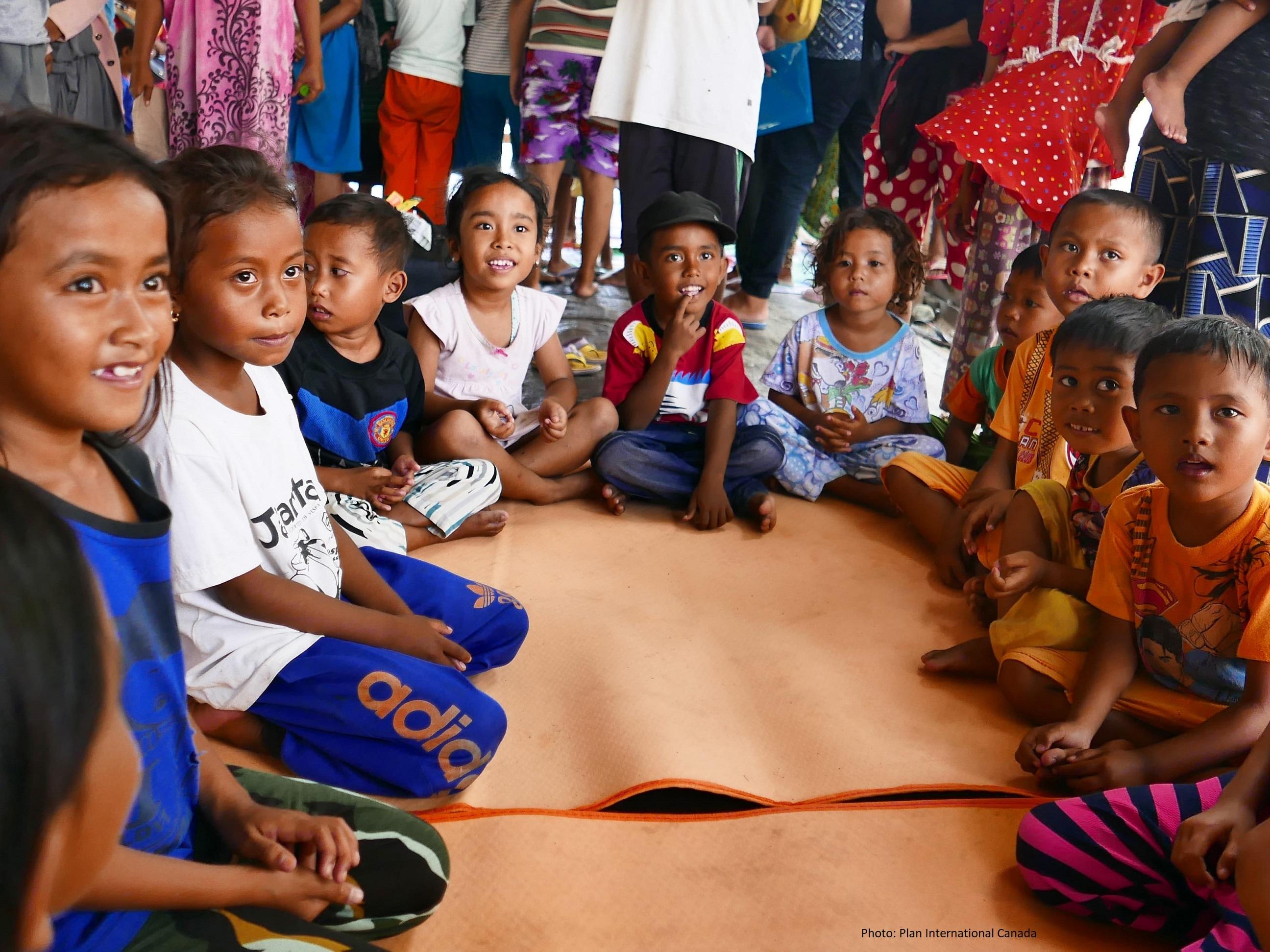 Des enfants dans un Espace ami des enfants