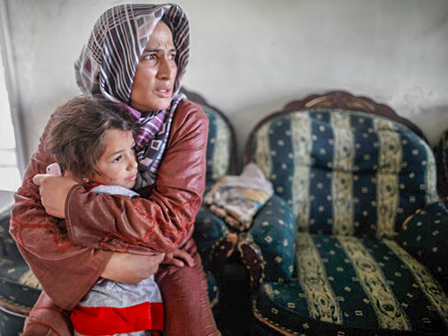 Syrian Refugee Crisis mother and daughter