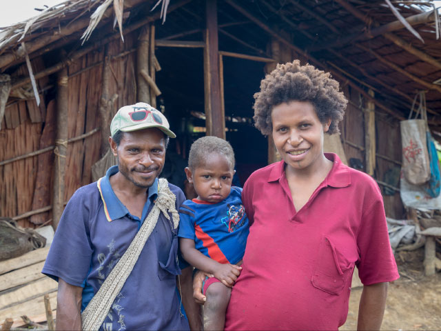Family in Papua New Guinea after earthquake 2018